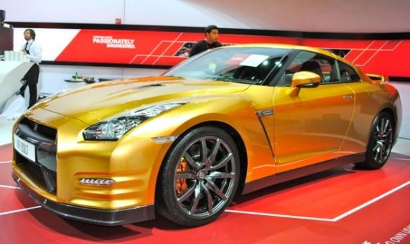 Gold_Nissan_GTr