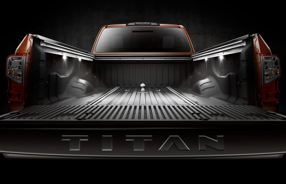 Nissan Titan illuminated cargo bed